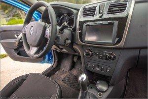 121 300x200 Фотографии нового Renault Logan 2014