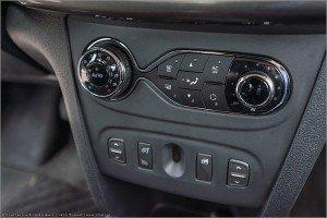 13 300x200 Фотографии нового Renault Logan 2014