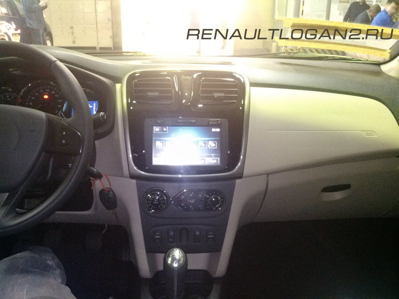 renaultlogan2-salon