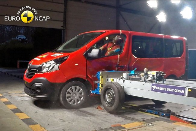 rcrash-test Renault Trafic
