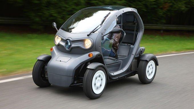 14-летним разрешено водить Renault Twizy
