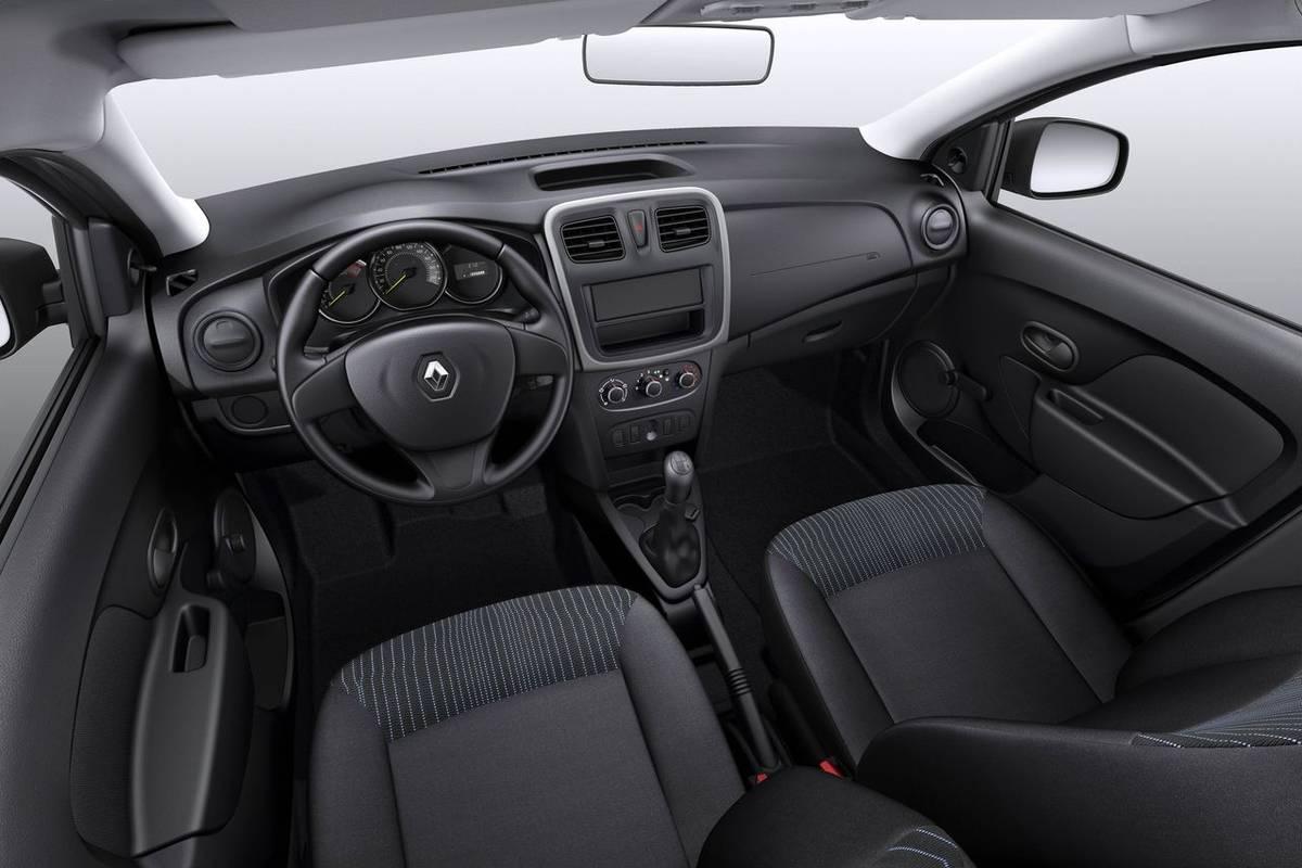 Салон Renault Logan 2014