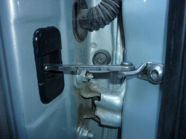 Установка заглушки на двери Renault Logan
