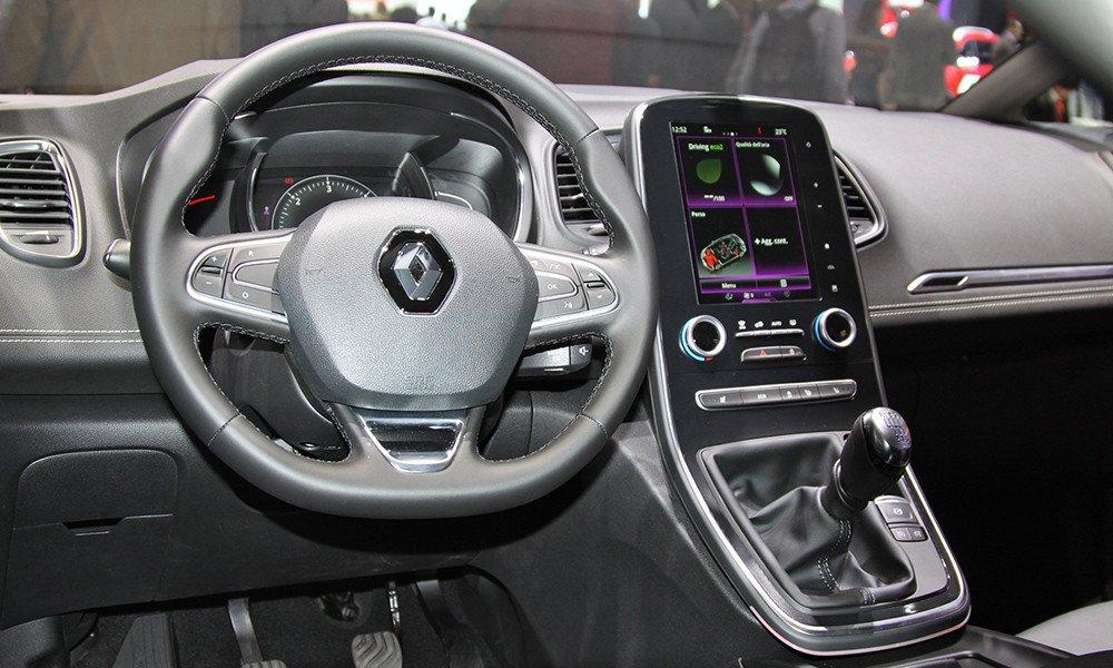 Панель приборов Renault Scenic