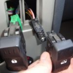 Замена лампы подсветки кнопки стеклоподъемника Рено Логан
