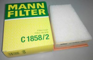 Воздушный фильтр для 16V - MANN C1858/2. Он же идёт в оригинальной упаковке. Из более дешевых вариантов - SibТэк  AF01115