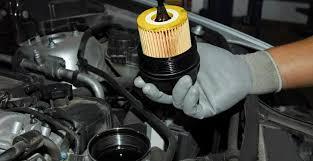 Как и когда заменить моторное масло в двигателе автомобиля?