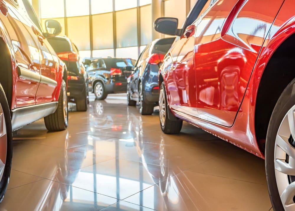 Покупка подержанного автомобиля - плюсы и минусы